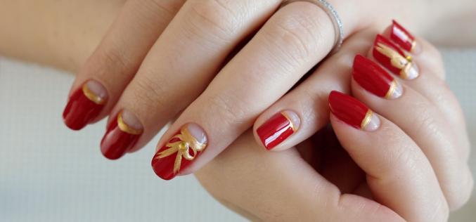NAIL ART – Manucure Rouge et Or pour Noël | Lunula Christmas nail art